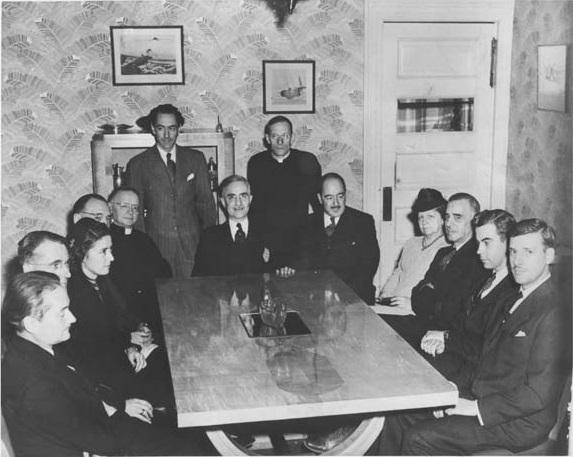 Hertel et Academie_canadienne-francaise_8_decembre_1944 WIKI